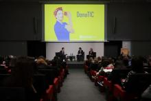 El divendres 6 de març es van presentar les línies d'actuació del Pla DonaTIC.