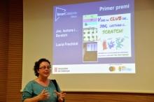 Lucía Frechiné rebent el primer premi Bitbot pel treball 'Joc, Lectura i... Scratch'