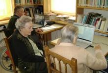 Apropant Internet a la gent gran