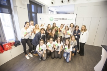 Foto de los equipos ganadors de la final sénior de Technovation 2017 en Barcelona