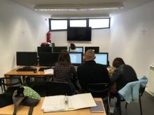 Fotografia d'una sessió formativa del Punt TIC de l'Alta Ribagorça