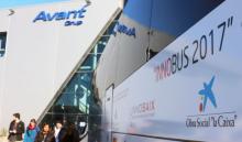 L'autocar i part dels participants de l'edició 2017 de l'Innobus