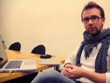 Pau Gámez, coworker de Co-Work-TIC Sant Feliu. Fotograma de vídeo.