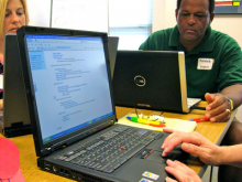 Curs d'informàtica. Imatge CC BY-NC-SA 2.0 de Rebecca Morrison: https://www.flickr.com/photos/virtuallearningcenter/3727603728