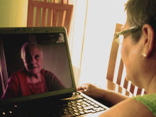 Videoconferència entre dones. Imatge CC de la galeria: http://www.flickr.com/photos/xeniarm/