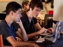 Daniel Torramilans i Miquel Llobet, guanyadors de la hackapp d'apps4citizens. Font: Facebook d'apps4citizens