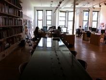 Oficina de coworking. Autoria: Lindsay Kinkade. Obra CC by-nc