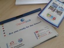 """Folletó de l'SparkLab amb la frase """"Estàs preparat per al futur?"""""""