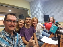 Els Òmnia de Tarragona expliquen els tallers 3D a la ràdio de la ciutat