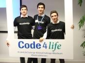 Foto dels tres alumnes de La Salle-URL que han guanyat el desafiament Code4life