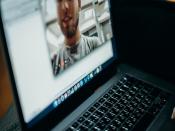 """Cicle de debats online """"Sit & TIC Talks, Converses sobre l'e-confinament"""""""