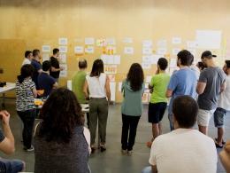 Un moment de la posada en comú d`idees en el taller de cocreació