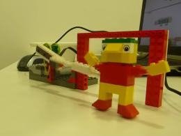 Futbol amb robots a l`Espai Tecnològic del Raval