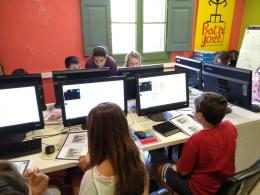 Infants i joves participant en Moonhack 2018 a l`Òmnia de Torrelles de Llobregat