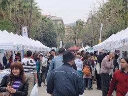 Diada de Sant Jordi a la Rambla del Raval