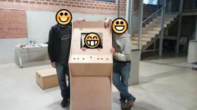La comissió d'Acció Comunitària construeix una màquina eduRecreativa: Snap!Arcade