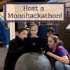 Crida per acollir una Moonhackathon
