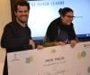 Lidia Santiago, dinamitzadora digital de l'Òmnia de Torrelles de Llobregat, rebent el premi a la millor maker